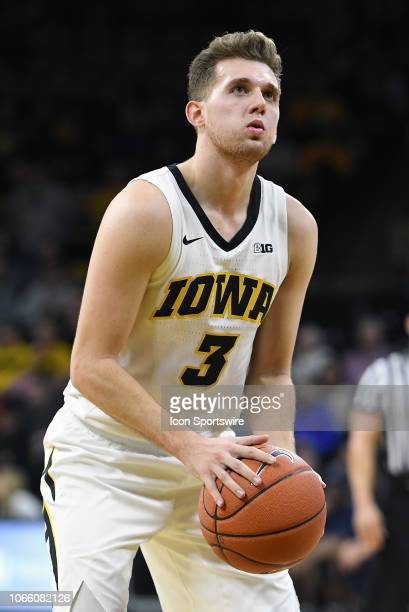 Iowa Hawkeyes guard Jordan Bohannon gets ready to shoot a free throw during a nonconference college basketball game between the Pittsburgh Panthers...