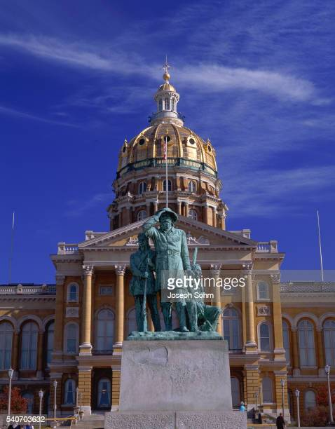 iowa state capitol - des moines stock pictures, royalty-free photos & images