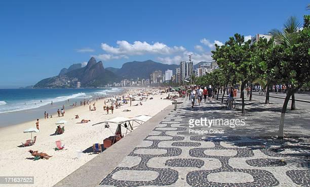 ipanema beach, rio de janeiro. - rio de janeiro imagens e fotografias de stock
