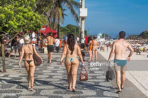 marciapiede di spiaggia di ipanema - cellulite foto e immagini stock