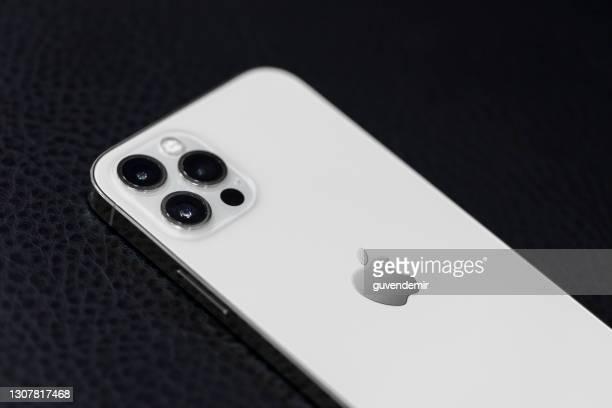 iphone 12プロマックス - iphone 12 ストックフォトと画像