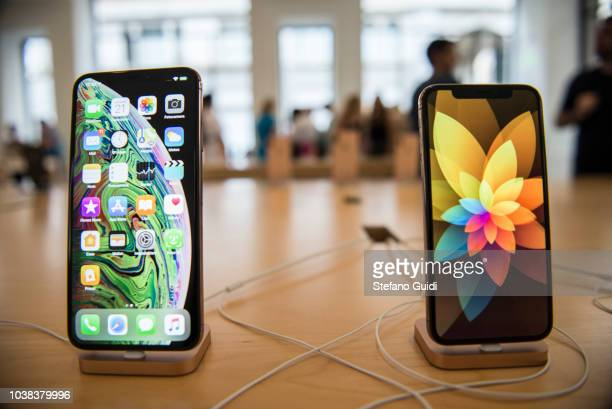 Iphone XS displayed for sale in the store New Apple iPhone XS on sale in official stores September 21 2018 is the day of arrival in Italy of the two...