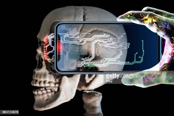 iPhones and brains and Android hands