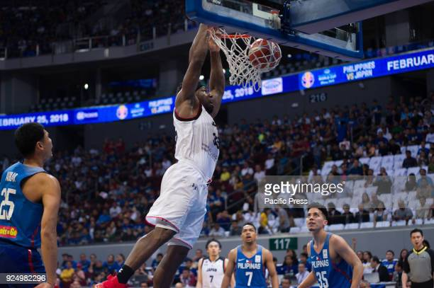Ira Brown of Akatsuki Japan scores a dunk and completed the game with a total of 16 points 8 rebounds and 3 steals