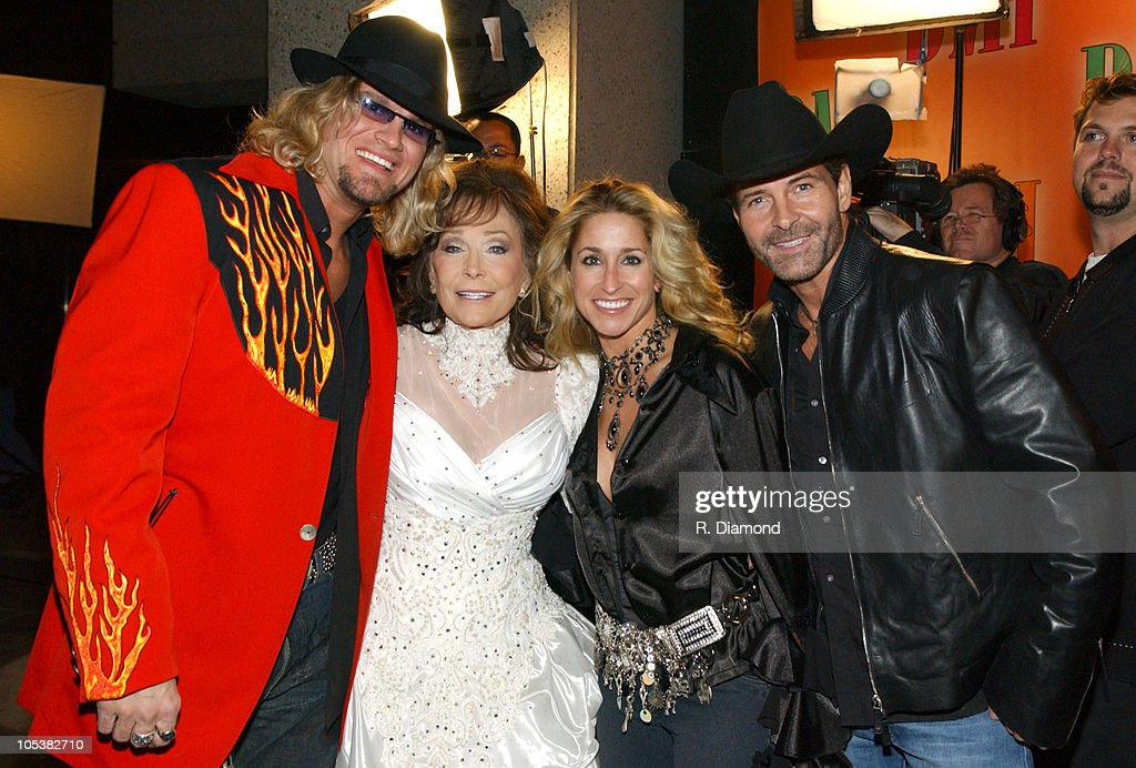 Ira Dean, Loretta Lynn, Heidi Newfield and Keith Burns of Trick Pony