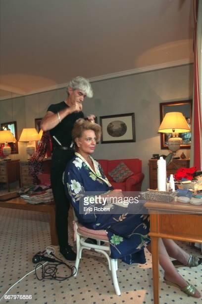 Ira of Furstenberg gets ready