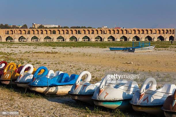iran, central iran, exterior - ザーヤンド川 ストックフォトと画像