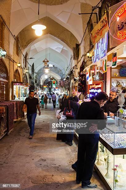 iran, central iran, interior - エスファハーン グランドバザール ストックフォトと画像