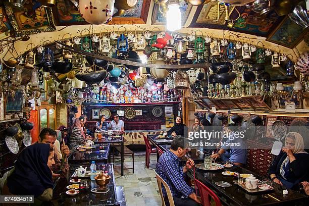 iran, isfahan, azadegan teahouse - isfahan stock-fotos und bilder