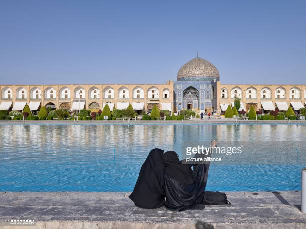 Iran, Isfahan: The Sheikh Lotfollah Mosque on Imam Square in the Iranian city of Isfahan, taken on . Photo: Thomas Schulze/dpa-Zentralbild/ZB