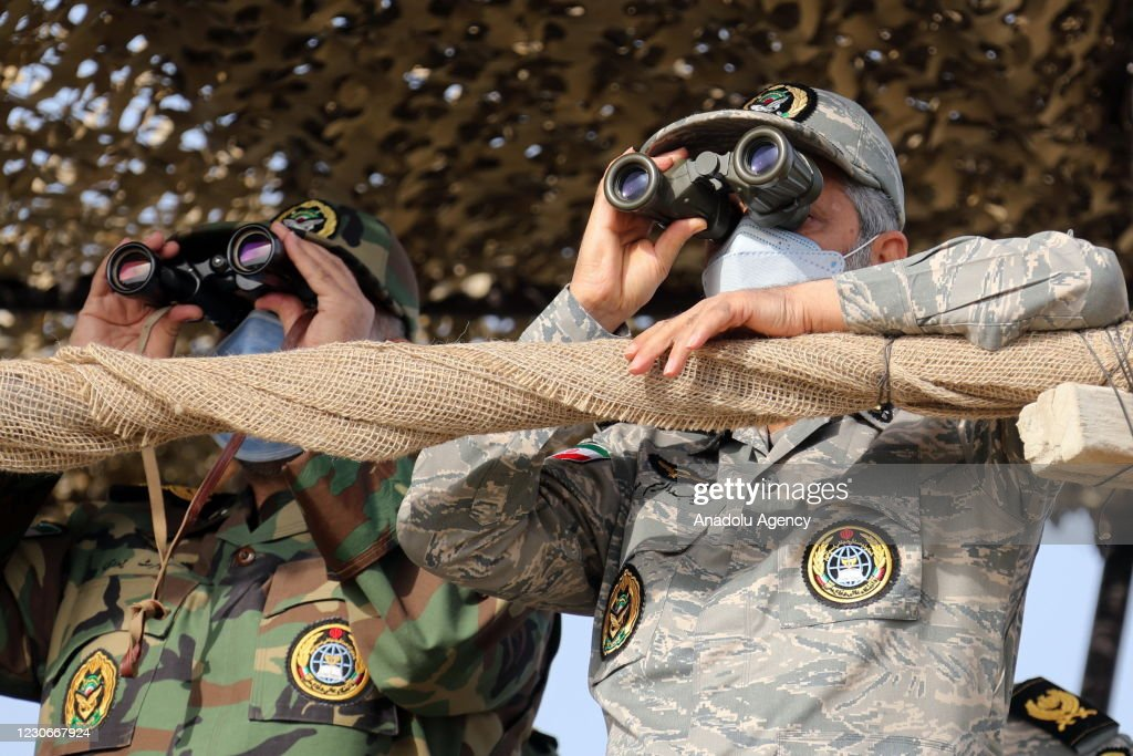 Iranian army conduct drill on Makran Beach near Sea of Oman : Nieuwsfoto's