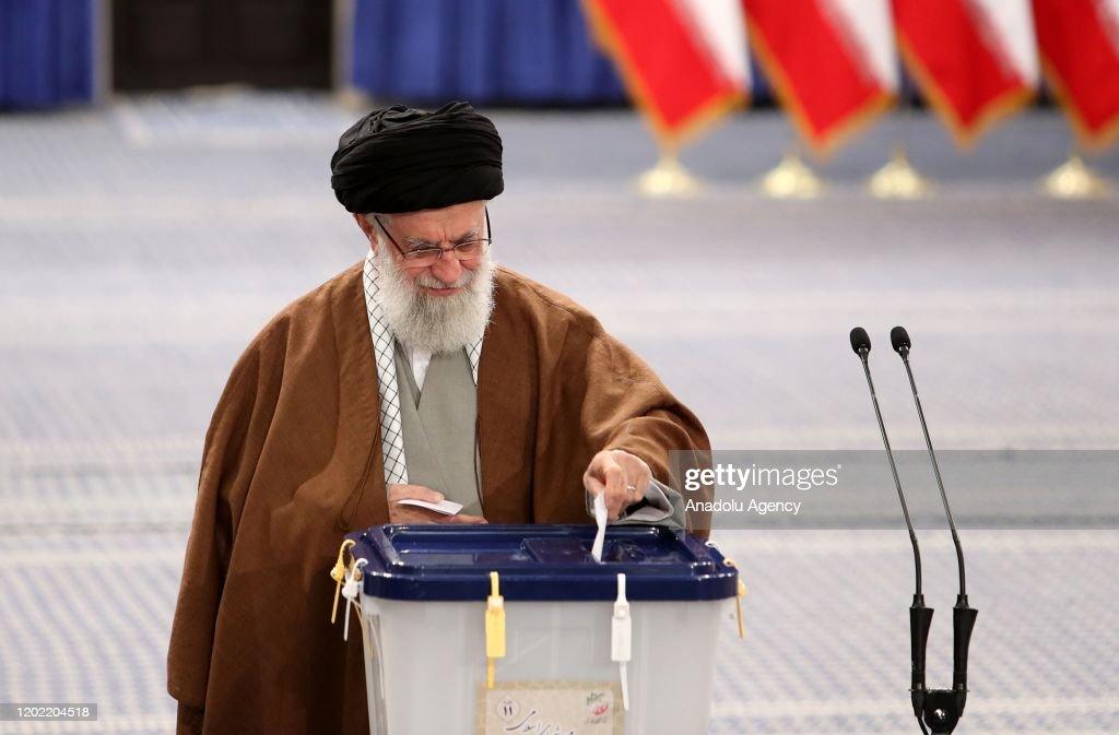 Iranian Supreme Leader Ali Khamenei : News Photo