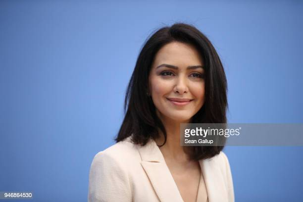 Iranianborn actress and human rights advocate Nazanin Boniadi speaks to the media with members of the Bundestag on April 16 2018 in Berlin Germany...