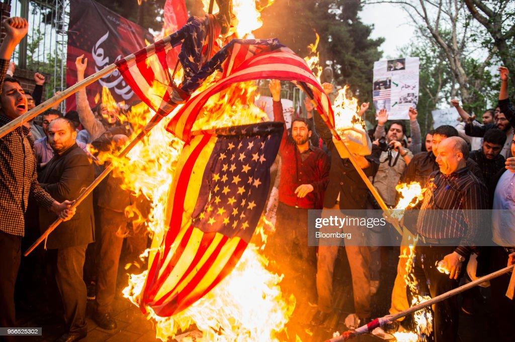 Daily Life In Tehran As Trump Dumps Iran Deal : News Photo