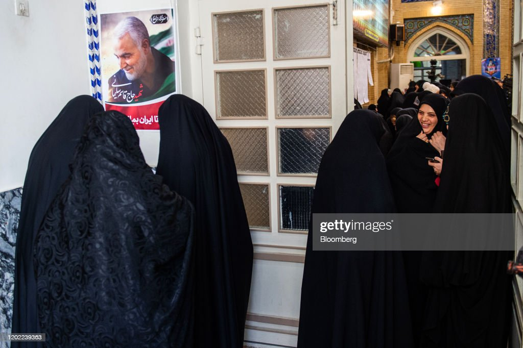 Iran Votes With Hard-Liners Set to Extend Control Over State : ニュース写真