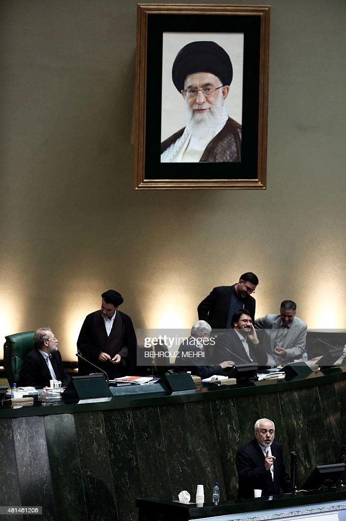 IRAN-NUCLEAR-POLITICS-ZARIF : News Photo
