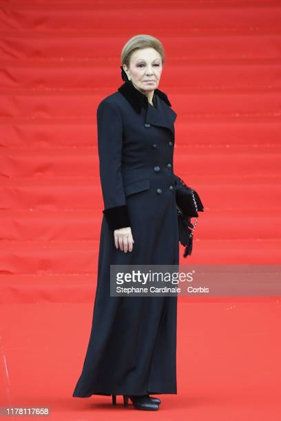 Iran's Former Queen Farah Diba Pahlavi arrives to attend a church service for former French President Jacques Chirac at Eglise SaintSulpice on...