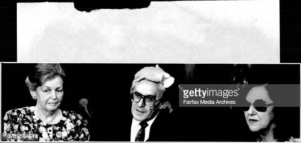 Iraq Hostage Arrives Back in Sydney' Mrs Shirley Lightfoot husband Graham and authoress Anne Fairbairn November 14 1990