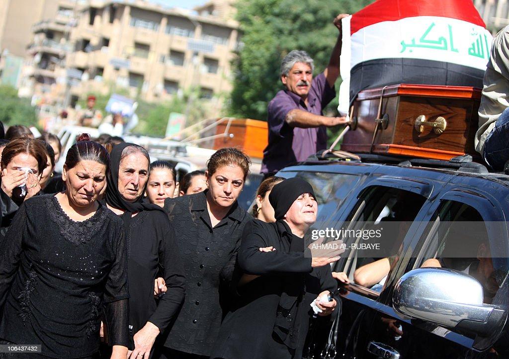 Iraqi Christians mourn on November 02, 2 : News Photo