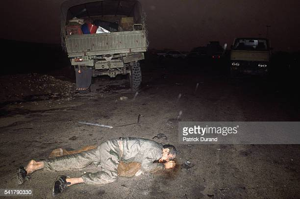 Iraqi Convoy Bombed During Persian Gulf War