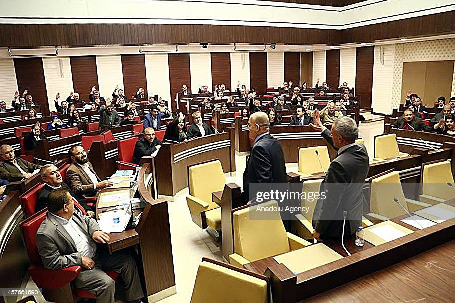 KRG Parliament discuss possible peshmerga troops transition to Kobani : News Photo