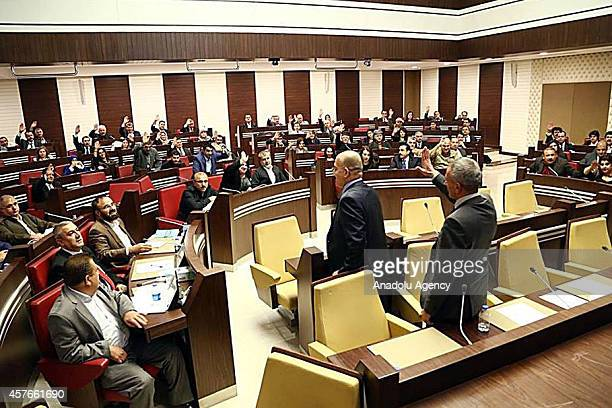 Iraqi Kurdish Regional Government Parliament discuss on October 22 2014 possible peshmerga troops transition to Kobani to fight against ISIL