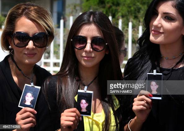 Iraqi Kurdish women demonstrate in front of the Kurdistan ...