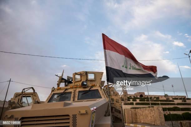 iraqi mrap vehicle at nabi yunus shrine in mosul, iraq - isis stock pictures, royalty-free photos & images