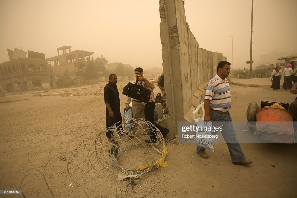 Traffic Flows North Of The Wall In Sadr City : News Photo