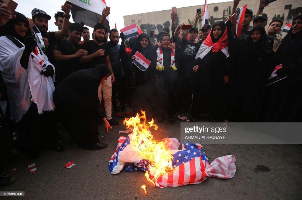 IRAQ-SYRIA-CONFLICT-DEMONSTRATION : News Photo