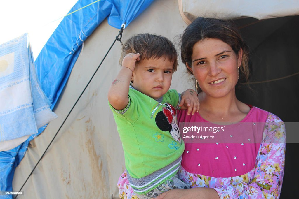 Iraqi Yezidi refugees at Newroz refugee camp in Syria : News Photo