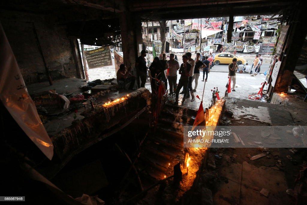 TOPSHOT-IRAQ-CONFLICT-BOMBING : News Photo