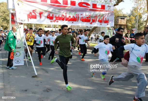 Iraqis take part in the second Baghdad Marathon for Peace in Iraq in the Iraqi capital Baghdad on February 4 2017 / AFP / SABAH ARAR