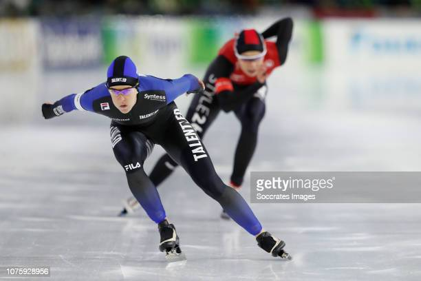 Ireen Wust Jutta Leerdam during the 1000m during the KPN NK Afstanden at the Thialf Stadium on December 30 2019 in Heerenveen Netherlands