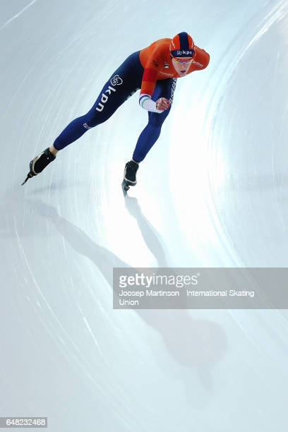 Ireen Wust of Netherlands competes in the Ladies 5000m during day two of the World Allround Speed Skating Championships at Hamar Olympic Hall on...