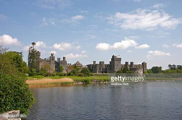 Ireland, Co.Mayo, Ashford Castle, view across lake