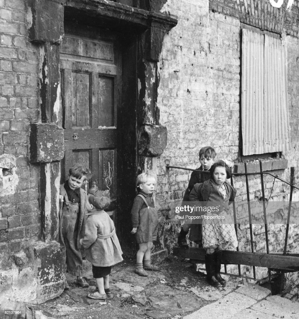 Ireland, Dublin, Circa 1940's, Children in the slums of Cumberland Street, Dublin : News Photo