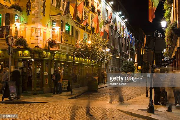 Ireland, Dublin, Temple Bar, street at night (long exposure)
