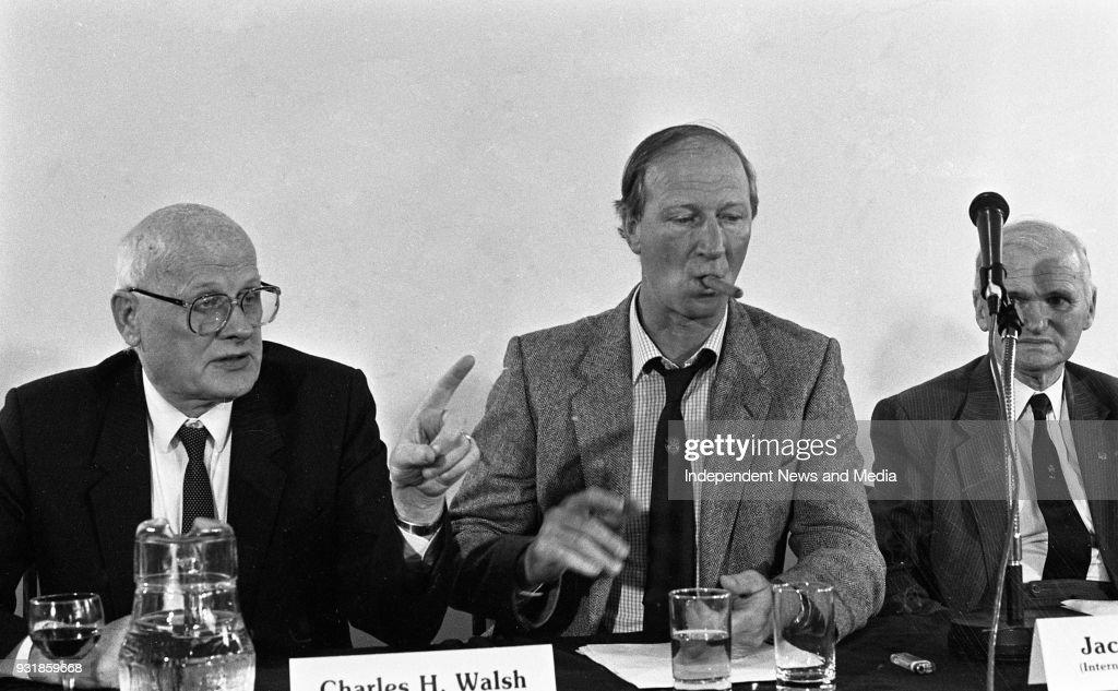 Ireland Manager Jack Charlton at the FAI Press Conference 1987 : News Photo