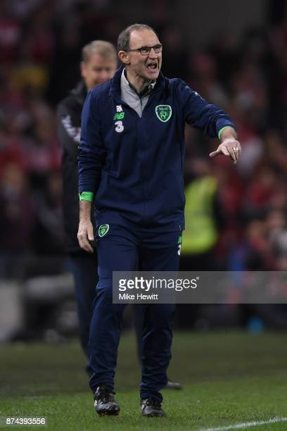 Ireland manager Martin O'Neill shouts instructions during the FIFA 2018 World Cup Qualifier PlayOff Second Leg between Republic of Ireland and...