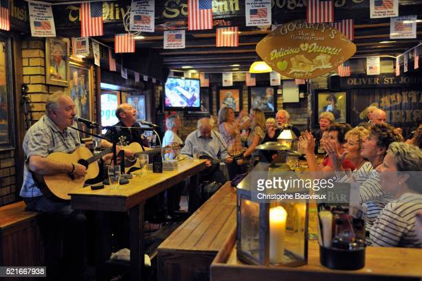 ireland - folk music stock pictures, royalty-free photos & images