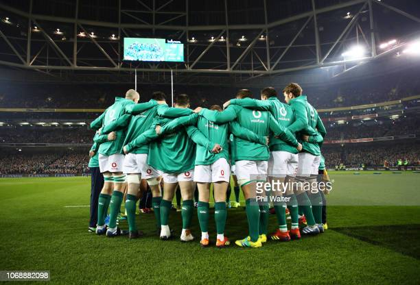 Ireland players huddle prior to the international friendly between Ireland and New Zealand at Aviva Stadium on November 17 2018 in Dublin Ireland