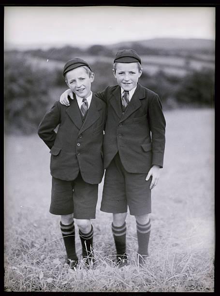 UNS: Bettmann Moment-Twins