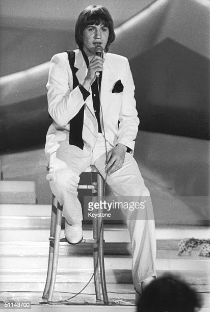 Ireland's Johnny Logan winning the Eurovision Song Contest in The Hague, 19th April 1980, with his song 'What's Another Year?'.
