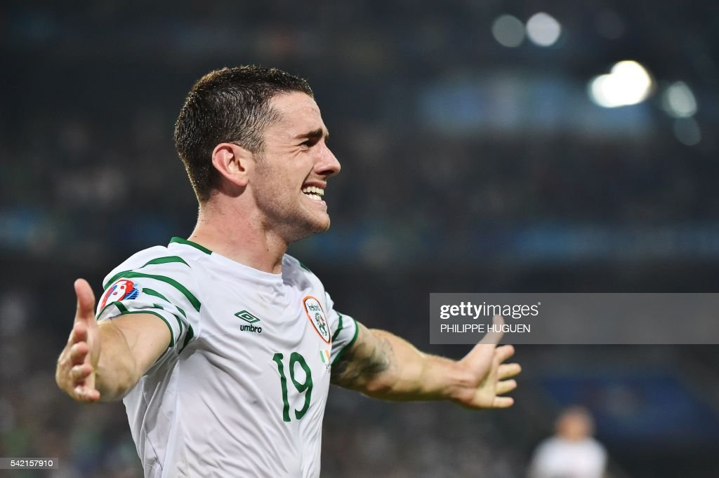 Ireland's midfielder Robert Brady celebrates scoring a goal during the Euro 2016 group E football match between Italy and Ireland at the Pierre-Mauroy stadium in Villeneuve-d'Ascq, near Lille, on June 22, 2016. /