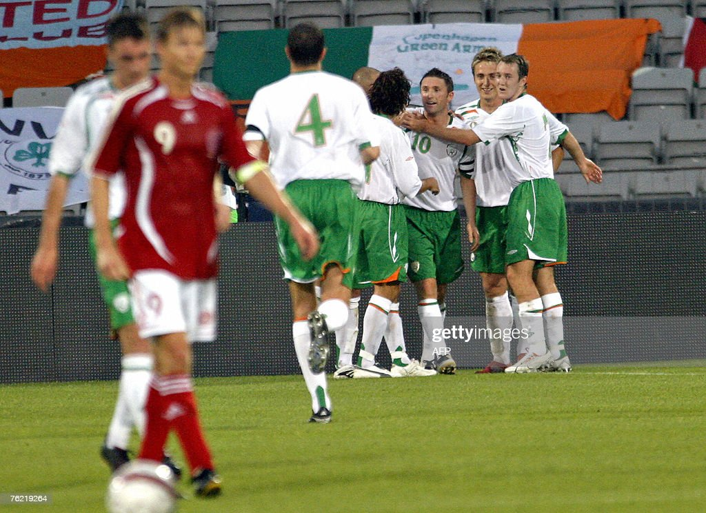 Ireland's Robbie Keane (10) celebrates with team mates after scoring his second goal against Denmark in the friendly football match 22 August, 2007 in Aarhus, 200 kilometres west of Copenhagen. AFP PHOTO / Claus Fisker/ Scanpix Denmark