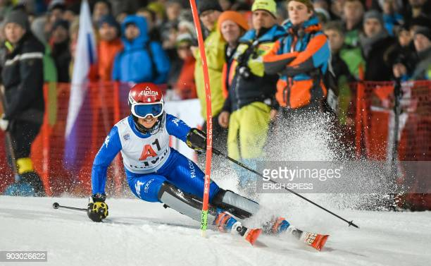 Irene Curtoni of Italy competes during first run of the FIS World Cup Ladies night Slalom race in FlachauAustria on January 9 2018 / AFP PHOTO / APA...