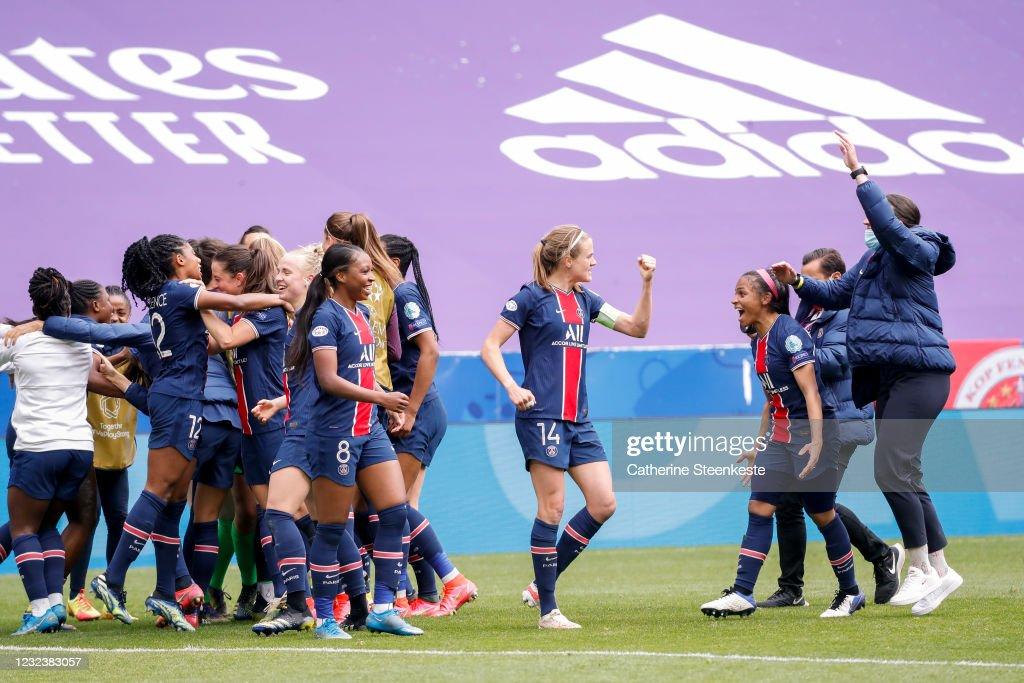 Olympique Lyonnais v Paris Saint-Germain - UEFA Women's Champions League Quarter Final: Leg Two : News Photo