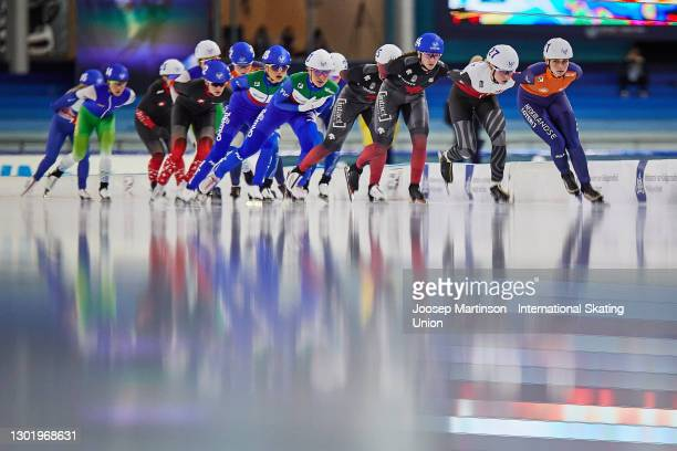 Irene Schouten of Netherlands leads the pack Ladies Mass Start race during day 3 of the ISU World Speed Skating Championships at Thialf on February...