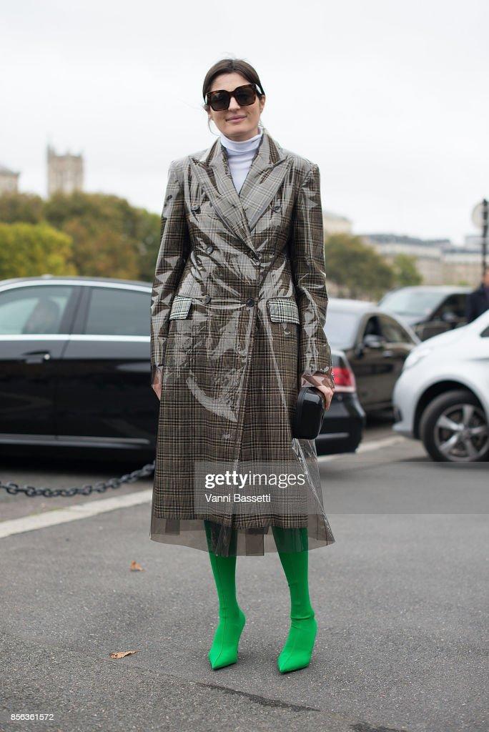 4ab2a72f8a511 Street Style   Paris Fashion Week Womenswear Spring Summer 2018   Day Six    News